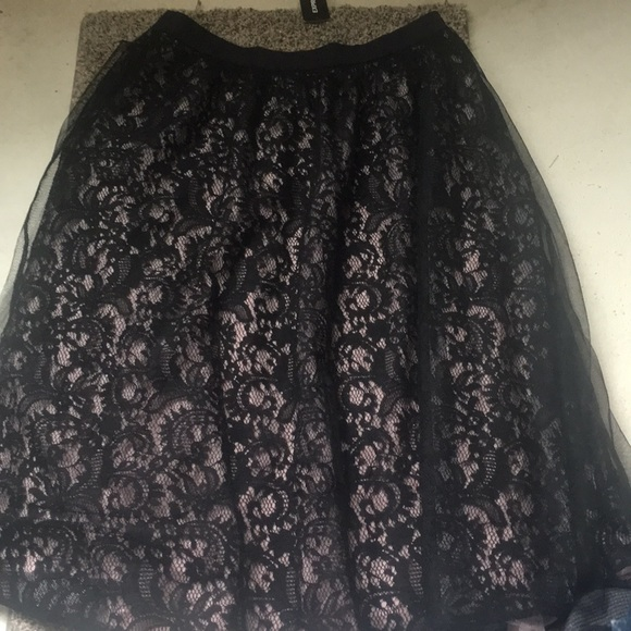 Express Dresses & Skirts - Express Skirt size 4 NWT